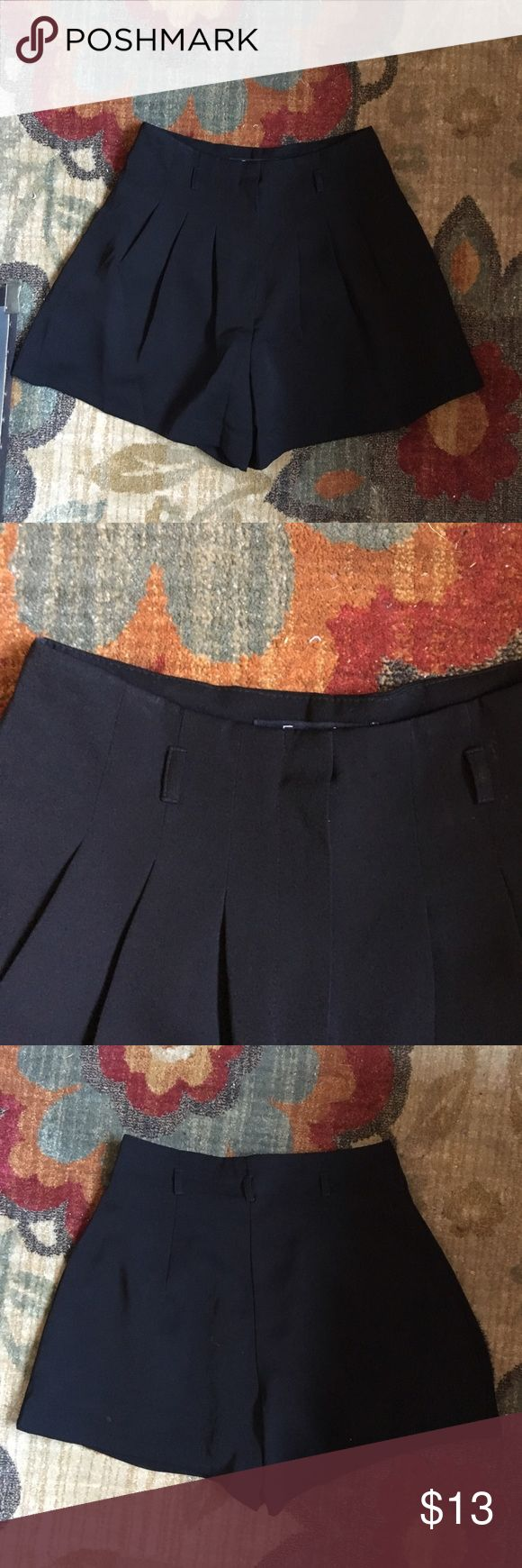 SALE Black tailored high-waisted culotte shorts 4th of July SALE through the weekend! Brand: Forever 21. Size XS. Such a classy summer short! NO SWAPS. #black #tailored #highwaisted #culotte #shorts #forever21 Forever 21 Shorts
