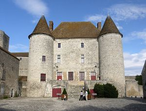 Heritage Days 2015 in the Paris area - Journées du Patrimoine 2015 en Ile-de-France - is held the weekend of 19-20 September. There are many chateaux in the region which will be open to the public - usually for FREE - including the 12th century Châteaux Musée de Nemours (pictured). For very famous places, expect a line to get in. For the Paris program, visit: http://www.evous.fr/Journees-du-Patrimoine-programme-a-Paris-1163347.html