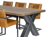 Mooi deze industriële stoere tafel  en stoelen van Nix design, verkrijgbaar bij www.pieterszevenbergen.nl