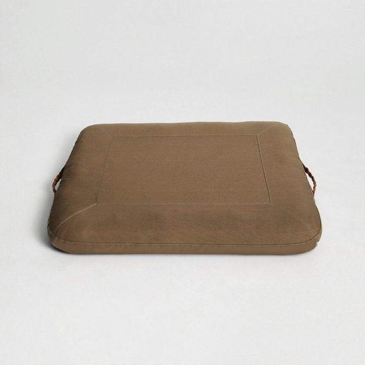 17 meilleures id es propos de coussin pour chien sur pinterest diy coussin pour chien diy. Black Bedroom Furniture Sets. Home Design Ideas