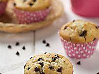 Muffin al cioccolato morbidissimi e senza burro. Ricetta di dolcetti americani facili e veloci da fare. Ottimi per la colazione e la merenda dei bambini.