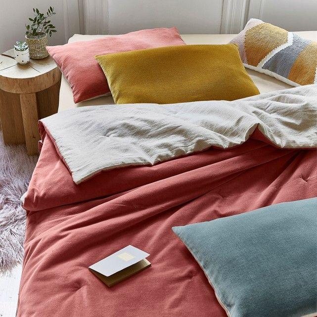 предназначен картинка кровать с подушками делает это