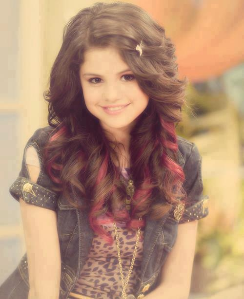 Once upon a time, this girl changed my life. She is my inspiration, my shining star, and everything I could hope to me. Thank you from the bottom of my heart selena.  Thank you for being my hero.