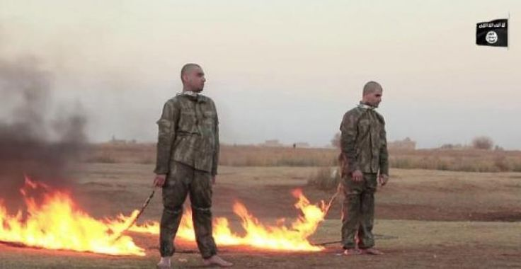 """ISIL video shows 'Turkish soldiers burned alive'  KONFRONTASI-ISIL has released a video purportedly showing two captured Turkish soldiers being burned alive after Ankara vowed to fight """"terror"""" in Syria in response to 16 of its troops being killed in battle.  The 19-minute video showing two uniformed men being hauled from a cage before being bound and torched was posted online and was supposedly shot in the ISIL-declared """"Aleppo Province"""" in northern Syria.  Speaking in Turkish the killer of…"""