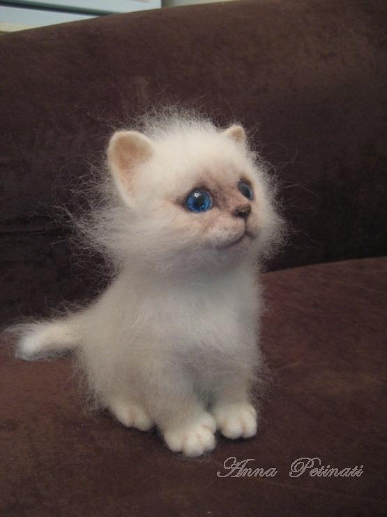 felted kitten by Anna Petinati