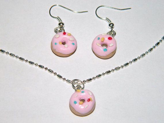 Аппетитный набор пончиков с  розовой глазурью и от EVAMARE на Etsy