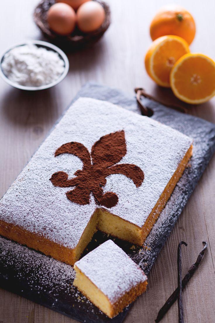 Schiacciata fiorentina: soffice e delicato. Un dolce di Carnevale tipico della Toscana.  [Italian Carnival _ Schiacciata cake from Tuscany]