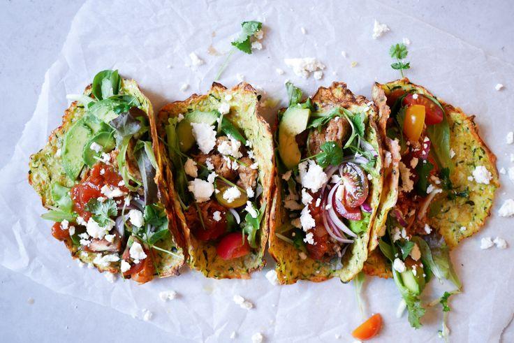 I det här receptet har vi gjort en variant av tortillas, med zucchini och ägg som bas. Fyll dem med dina favorittillbehör och njut av en otroligt god och mättande fredagstaco.