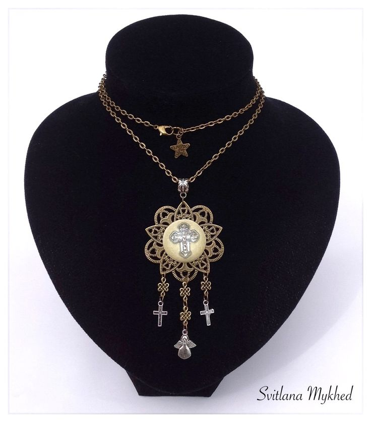 """Longue Collier """"Croix. Jesus. Croyance. Dieu. Eglise. Ange"""". Métal bronzé . : Collier par perles-et-couronnes"""