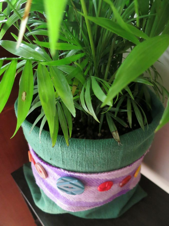Plant pot cosy from scraps