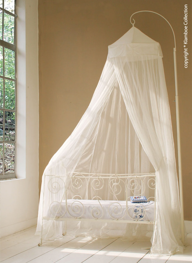 """The children's mosquito net """"Miguelito"""" is suitable for all beds for kids. The Miguelito has a circumference of 1000 cm, the height is 250 cm. It has a broad and overlapping opening and is mounted above the bed to a single point. In case you don't want to hang the mosquito net from the ceiling we suggest using the Mosquito Net Standard. Price: €39, www.klamboe.com"""