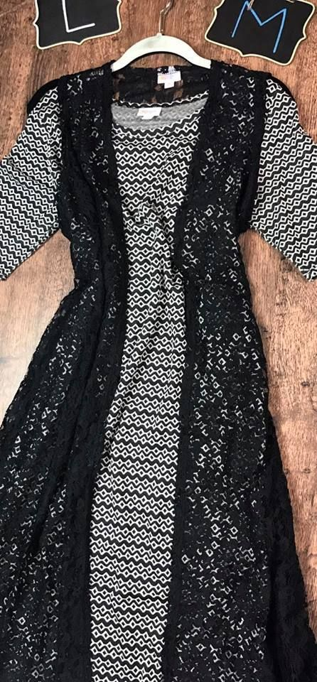 Look at this stunning Lularoe outfit from @lularoebobbiesdreamers! To purchase, visit their Facebook group at https://www.facebook.com/groups/lularoebobbiesdreamers/ #churchoutfits