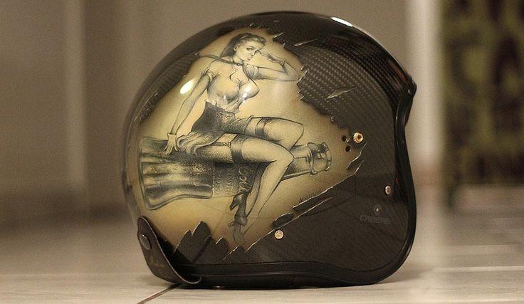 Airbrush. Pin-Up. Helmet by Aerosolove