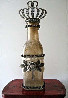 This started as a brand new, clear bottle...: Altered Bottle, Idea, Queen, Crackle Glasses, Crackle Paintings, Glasses Bottle, Studios 490, Altered Art, Bottle Art
