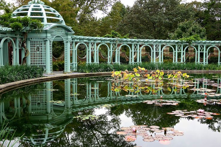 Westbury Wonderland! If you have never visited Old Westbury Gardens on Long Island, add it to your summertime bucket list. Divine!