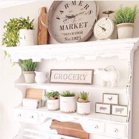 Love the styling on these shelves - great farmhouse style!