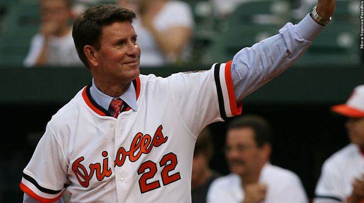 Through Ancestry.com, Orioles Hall of Famer Jim Palmer found out about his birth family and recently met some new relatives, including a first cousin who happened to be a Palmer fan growing up.