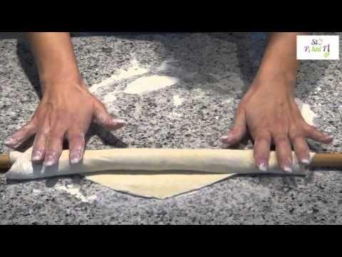 ▶ Σπανακοτυρόπιτα με σπιτικό φύλλο me-nu.gr - YouTube