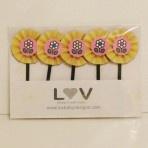 Hello Kitty flower food picks http://www.luvavenue.com