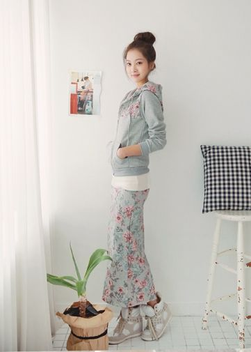 Korea Woman Big size clothing shop. [Jstyle] Flower Training set / Size : L,FREE / Price : 57.67 USD #JSTYLE #OOTD #bigsize #plussize #trainingset #flower