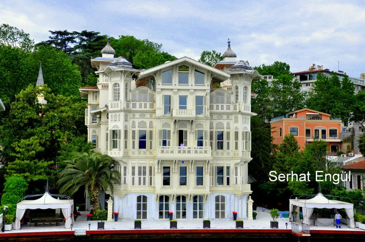 Recommended districts to stay in Istanbul. Best area for accommodation in Istanbul.