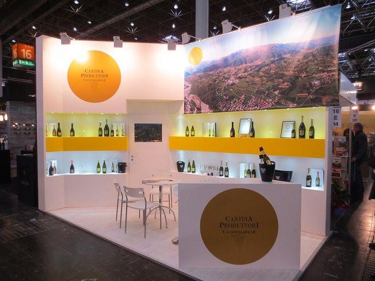 Prowein - Düsseldorf: VAL D'OCA. Ricerca, analisi, promozione e comunicazione. Progettazione e realizzazione dell'allestimento dello stand. Photo by honegger