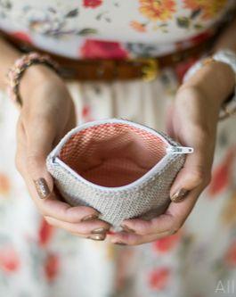 zippered crochet pouch