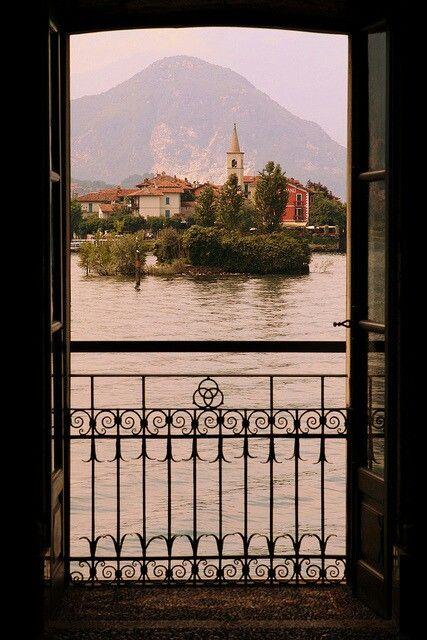 Isola dei pescatori, Isola Bella Piedmont, Italy | by Ionut Iordache on Flickr