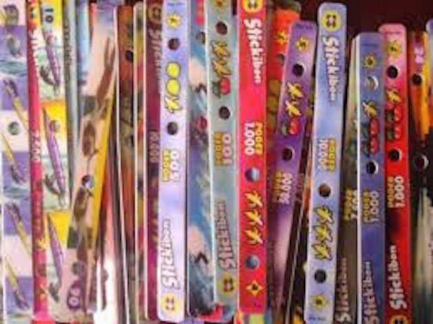 Palitos de jogo - Caraca, era tipo um super trunfo ou Tazo Pokemon.