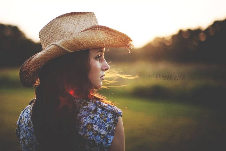 senior girl photography posing ideas #photography | Stephanie Pana Photography
