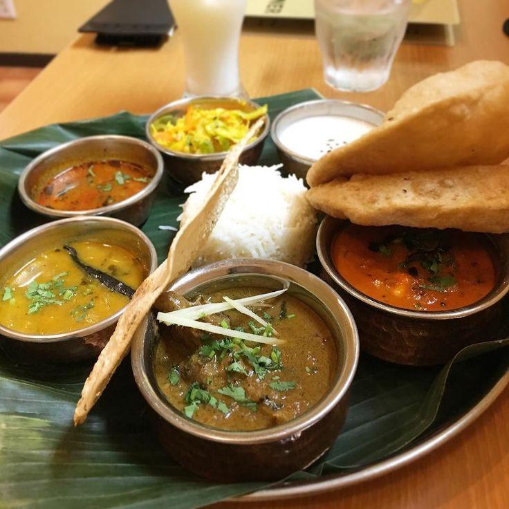 南インド肉料理ミールス コクのあるラッサムバターチキンのような濃厚なエビ豆ベースのサンバルなどちょっと個性的な味が意外とハマる #やっぱりインディア #ミールス #インド料理 #カレー #curry #大塚