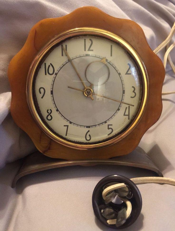 Vintage O.B. McClintock Clock Deco Bakelite Butterscotch Electric Works Great!