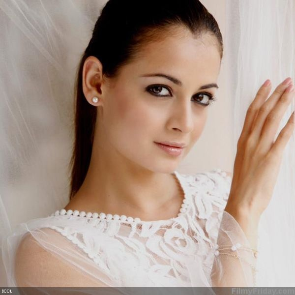 50 Beautiful Faces in Bollywood: Dia Mirza