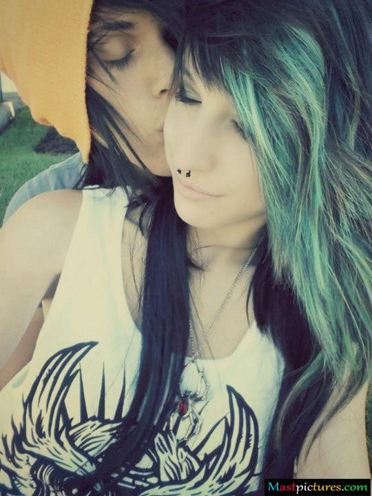 cute emo teen couples | This picture was submitted by Admim.