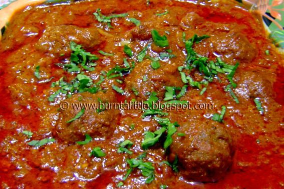 Kofta Curry (Curried Meatballs)