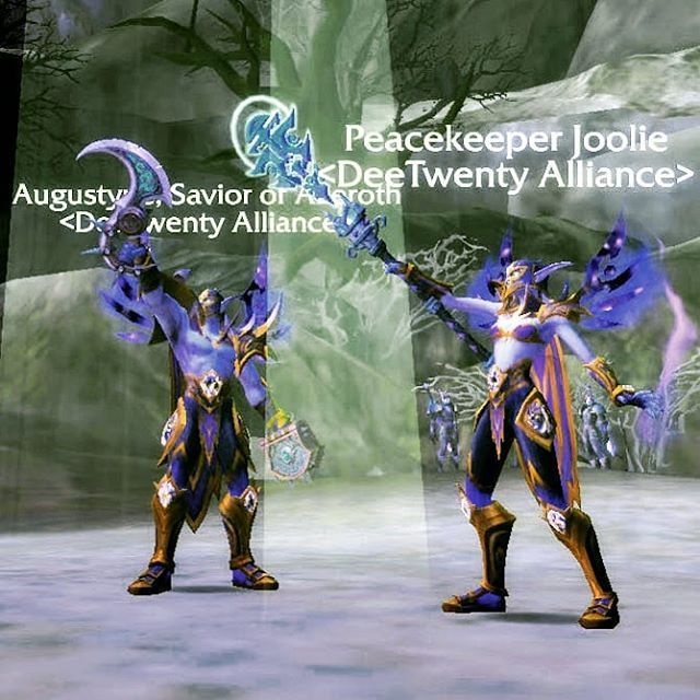 After levelling our Void Elf Priests to 110 the hard way our Guild Elite team have earned the right to wear the Heritage of the Ren'dorei transmog set #worldofwarcraft #battleforazeroth #geeklifestyle #deetwentyguild