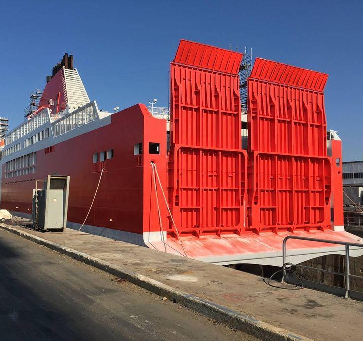 Le #JeanNicoli aux couleurs de #CorsicaLinea parce qu'une nouvelle histoire maritime commence... #MCM #SNCM #CorsicaMaritima