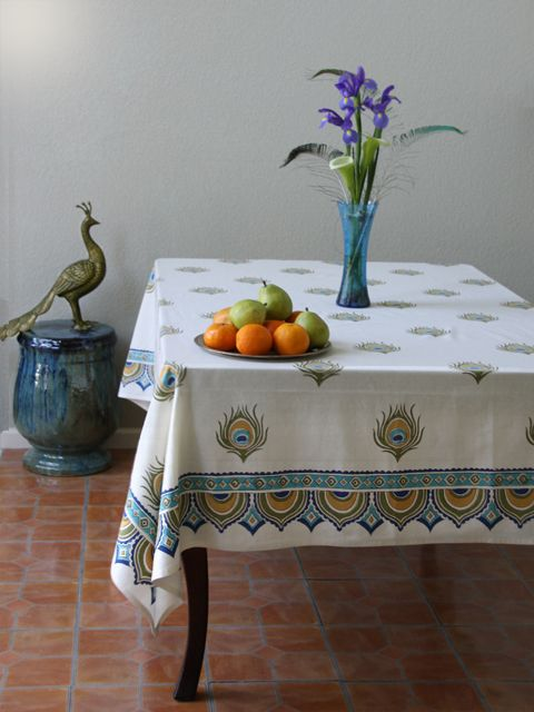 Dance O Peacock ~ Ivory Peacock Feather Print Elegant Tablecloth     I just adore this print. Bright, clean and happy are what comes to mind.