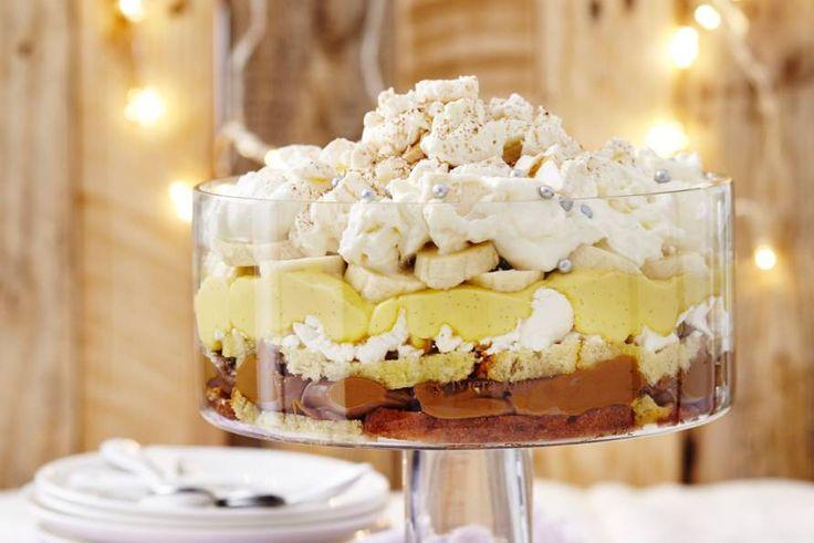 Kijk wat een lekker recept ik heb gevonden op Allerhande! Supertrifle met custard, bananencake en karamel