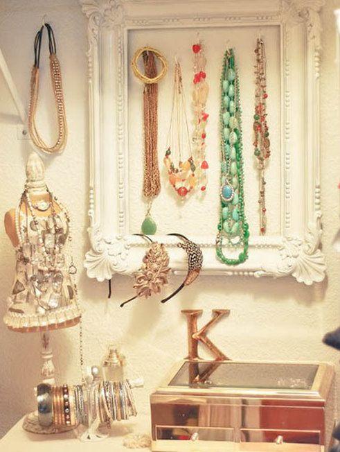 jewlery: Idea, Jewelry Storage, Jewelry Display, Diy Jewelry, Old Frames, Jewelrydisplay, Jewelry Holders, Pictures Frames, Jewelry Organizations