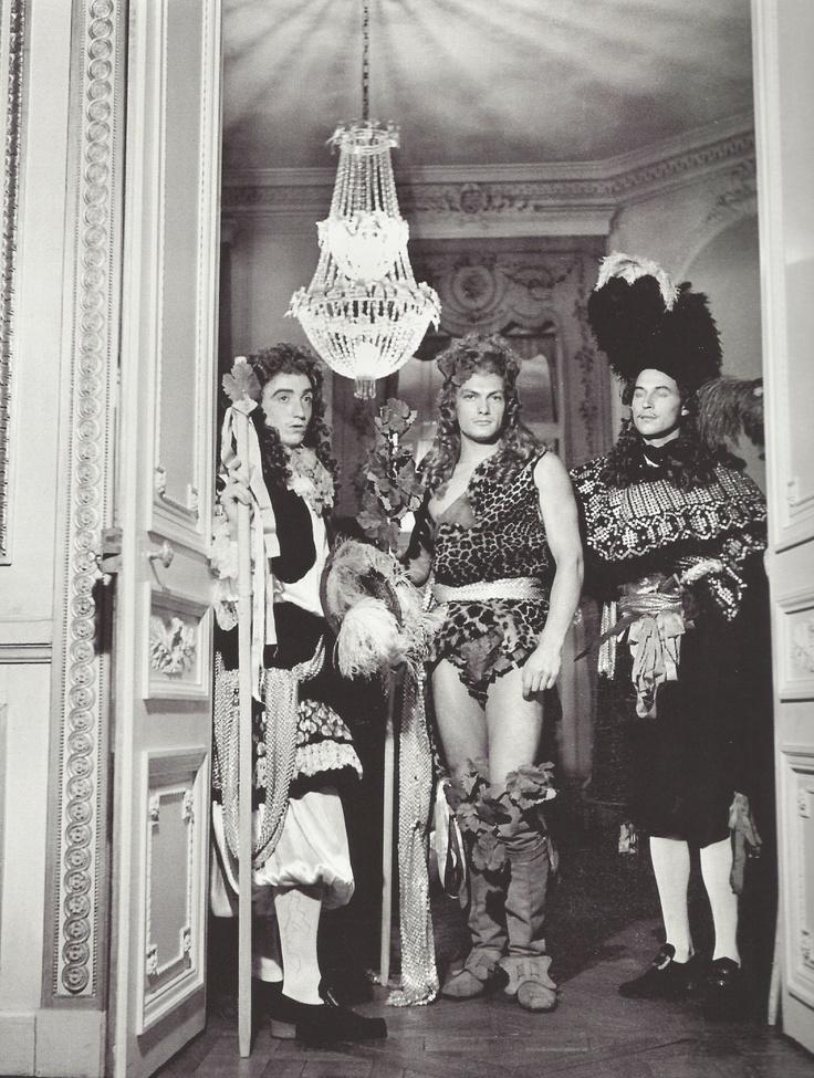 Boris Lipnitzki- Jean Marais lors d'un bal chez le comte Etienne de Beaumont, 1939