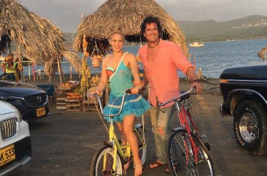 Шакира представила новый клип на песню La Bicicleta (ВИДЕО)