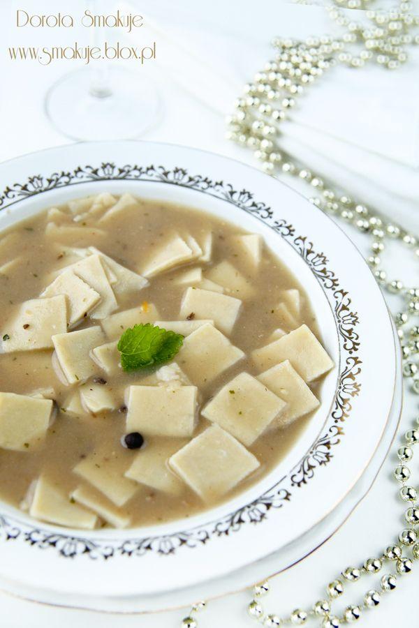 Zupa borowikowa z łazankami