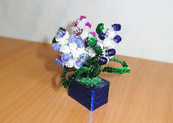 Цветы из пайеток, бисера и проволоки_вариант №2