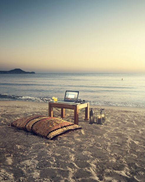 ∞ Perfect Tranquillity:  Completelyimpracticable for obvious reasons, but nonetheless a wonderful aspiration.  ViaMinimal Desks.