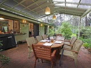 Bella Retreat Is Set On 13 Acres Of Private, Peaceful Forested Land in Margaret River. Sleeps 14 #petfriendly