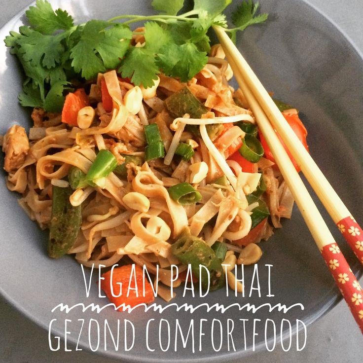 Pad Thai is een heerlijk comfort food. Maar door de vele verse groenten toch heel gezond, zeker deze vegan variant! Lekker met vegetarische kip!