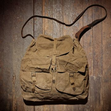 The '50s Messenger Bag from Unions of Smith was once a Czech rucksack from the 1950s, and is now a ruggedly handsome messenger bag made from hemp. Its adjustable vintage leather strap will easily convert it to a messenger bag.