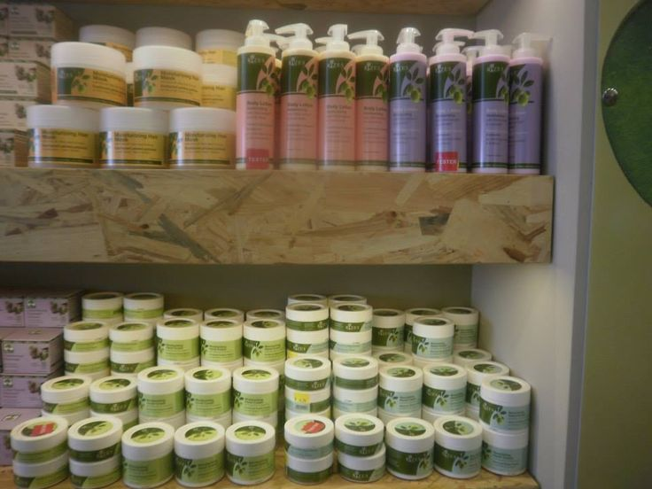 Rizes Crete - Products on shelves