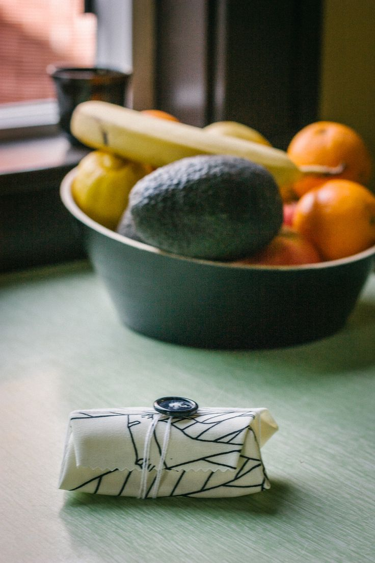 I've ditched plastic wrap and have been using reusable food wrap for close to a year now so I think it's time to review this experience and share my first DIY! Reusable food wrap not only looks better, smells better but it is just as convenient as plastic food wrap (as long as what you wrap in it isn't too juicy).